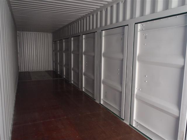 40'-HC-with-8-x-4'-man-doors-2